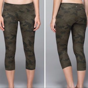 Lululemon Wunder Under Crop Camo Leggings Size 6